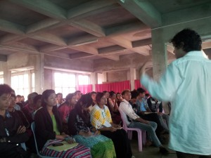 GL staff talks to Pyin U Lwin students